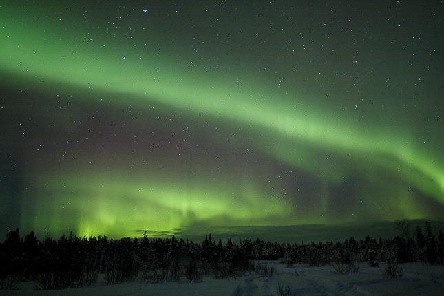 Norrsken, pärlemormoln, midnattssol och kaamos är alla ljusfenomen som ger inspiration i den arktiska delen av vårt avlånga land.