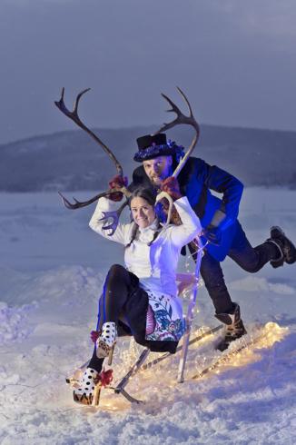 Konstnärer av sviten Ruossut. Anna Öhlund och John Pettersson.